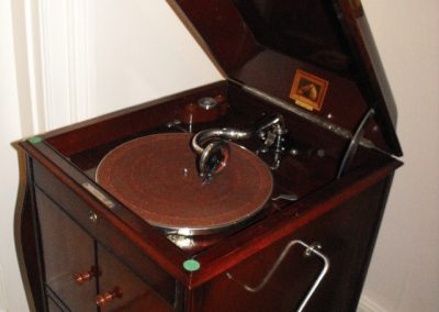 1925 His Masters Voice Gramophone Model 161 - 6