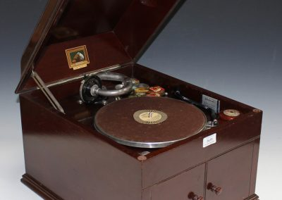 1926 His Masters Voice HMV 109 - 1094.jpg