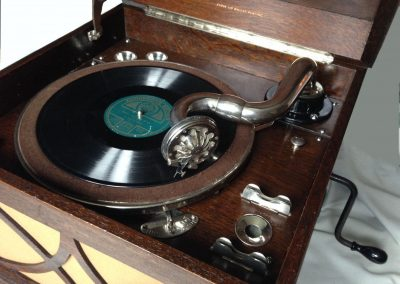 1930 His Masters Voice Table Grand Gramophone Player HMV 130A - HMV-130-tabletop-gramophone-_57-4.jpg