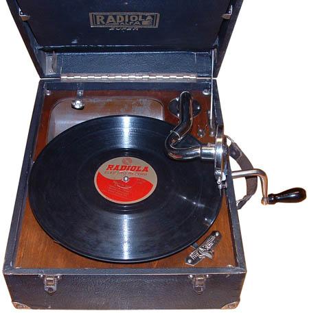 1937 Radiola Alfa táska gramofon