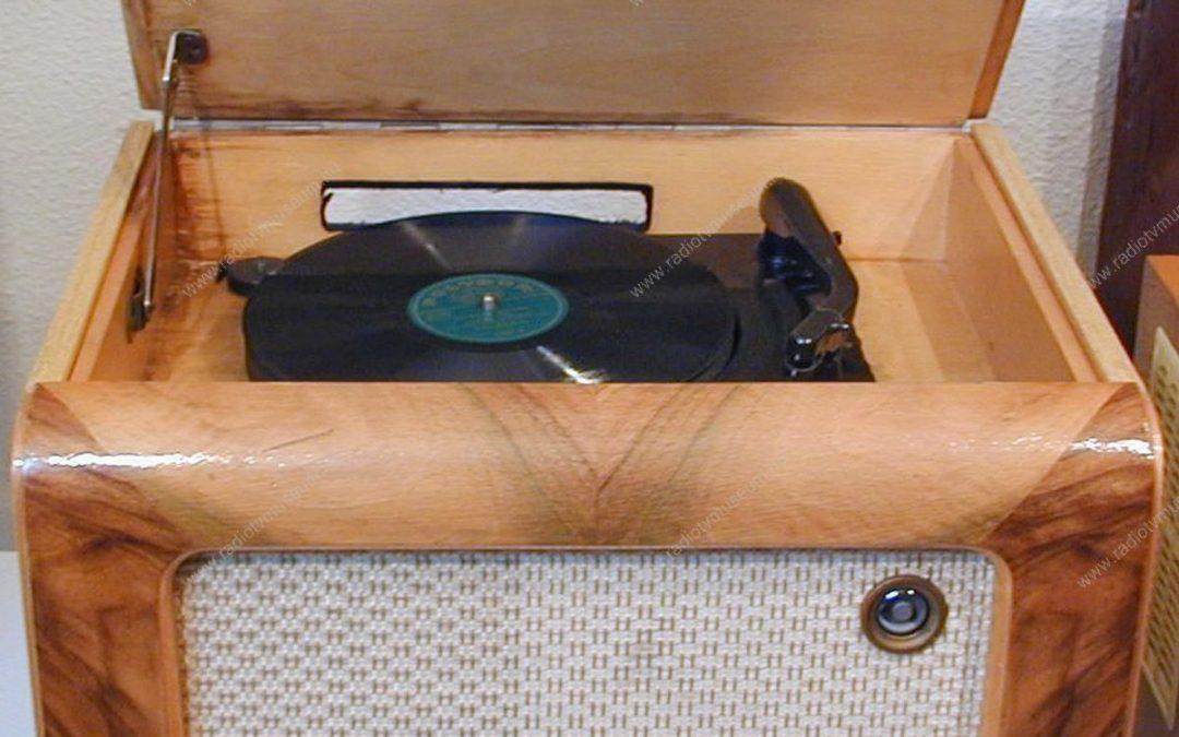 1954 Orion Rádió Lemezjátszóval 520 AG