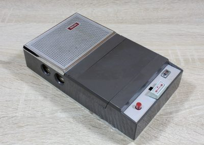 1965 Philips Portable Cassette Recorder EL 3301 - Philips-EL3301.4.jpg