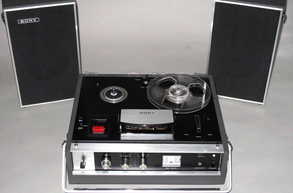 1967 Sony Sterecorder Solid State Stereo Center TC-230