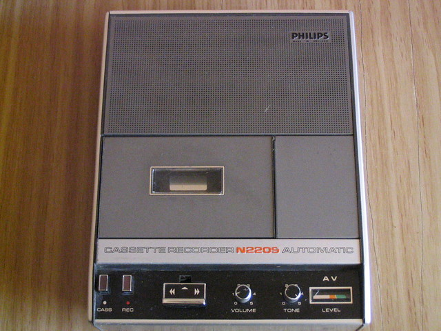 1970 Philips Compact Cassette Recorder AV Automatic N2209