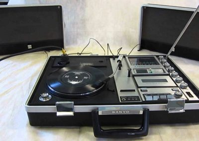 1970 Sanyo G-2615N-2 Solid State Stereo Music Player - maxresdefault.jpg