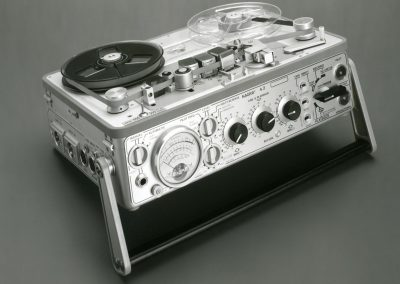 1971 Nagra Portable Mono Analogue Tape Recorder 4.2 - 1971-4-1920x1080.jpg