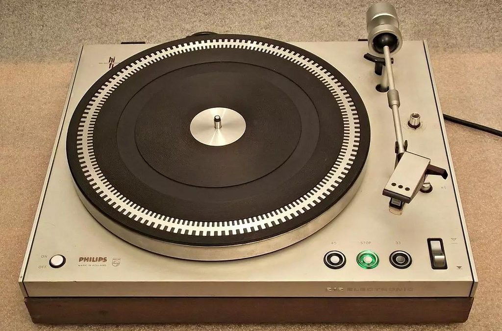 1972 Philips Stereo Turntable Sasse GA212