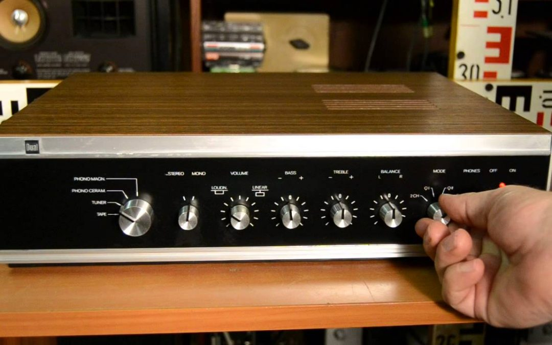 1973 Dual Stereo Amplifier CV 31