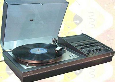1973 Philips HiFi Combination 22 RH 837 - Philips22RH837.2.jpg