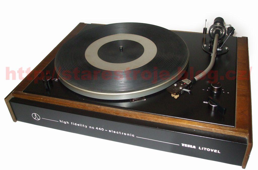 1974 Tesla Stereo Turntable Sasse Electronic NC 440