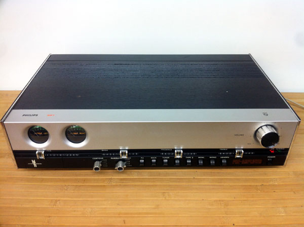 1975 Philips Hi-Fi Stereo Pre-Amplifier 22RH551
