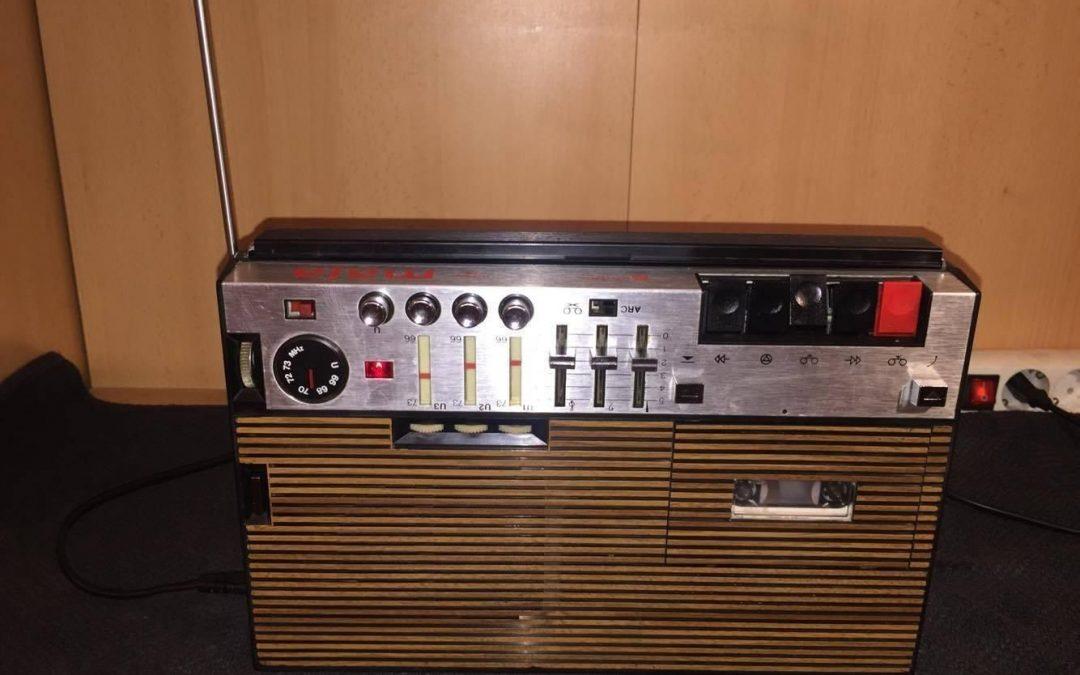 1975 Unitra Eltra Radio-Cassette Recorder Maja DO-RO 76