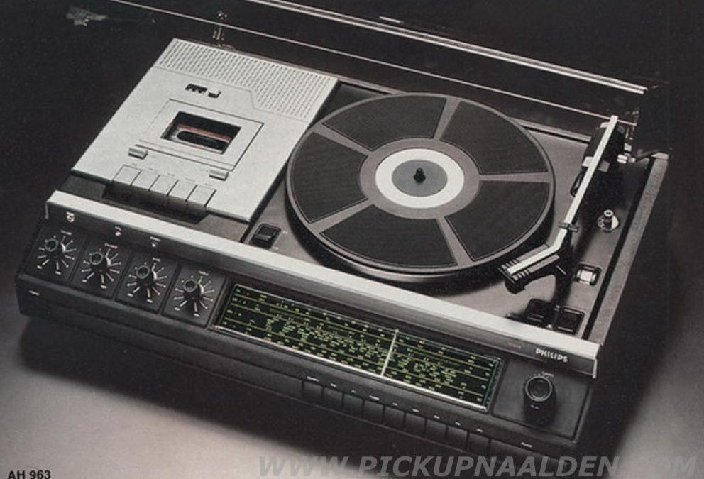 1977 Philips Stereo Music Center 22AH963