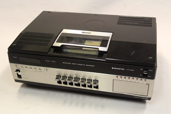 1978 Sanyo Betacord Video Cassette Recorder VTC 9300