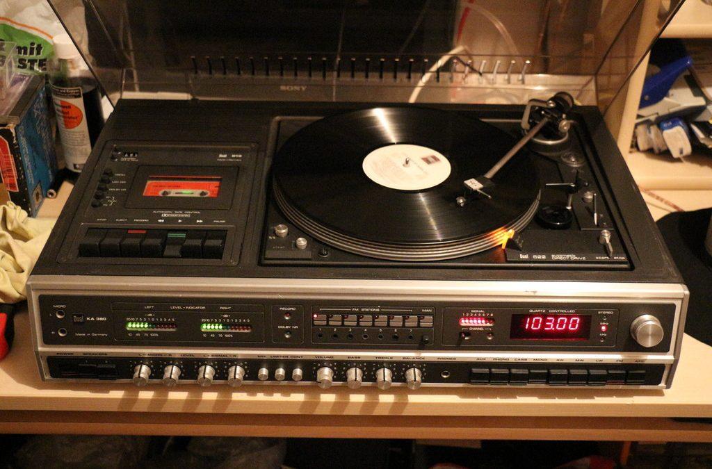 1979 Dual Music Center KA380