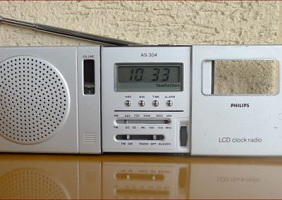 1980 Philips LCD Clock Radio AR-304 - Philips_90AS304-00_A.jpg