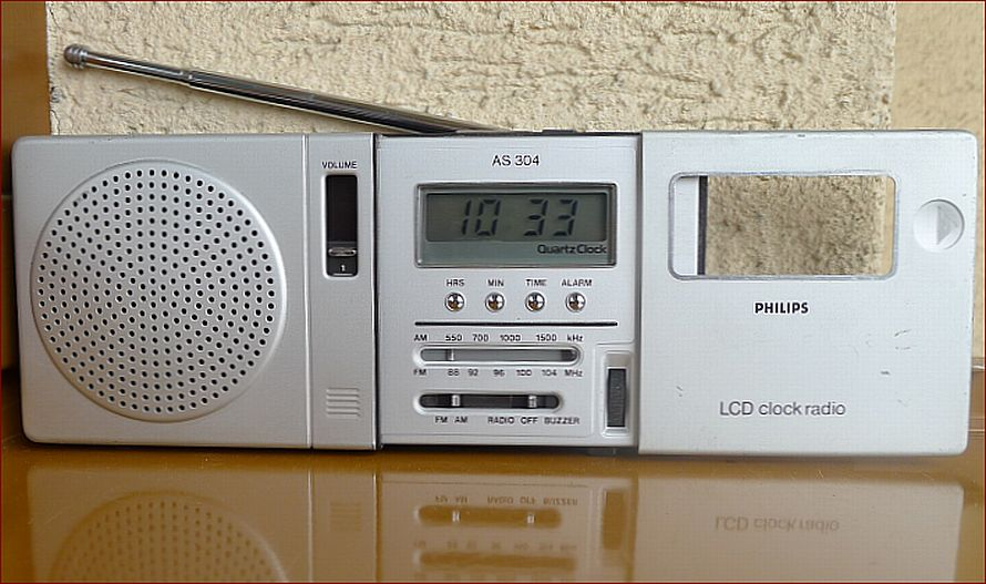 1980 Philips AR-304 LCD Clock Radio