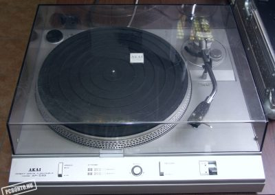 1981 Akai Direct Drive Stereo Turntable AP-D33 - Akai-AP-D33.3.jpg