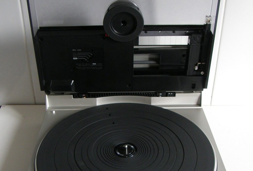 1981 Technics Quartz Direct Drive Linear Turntable SL-7