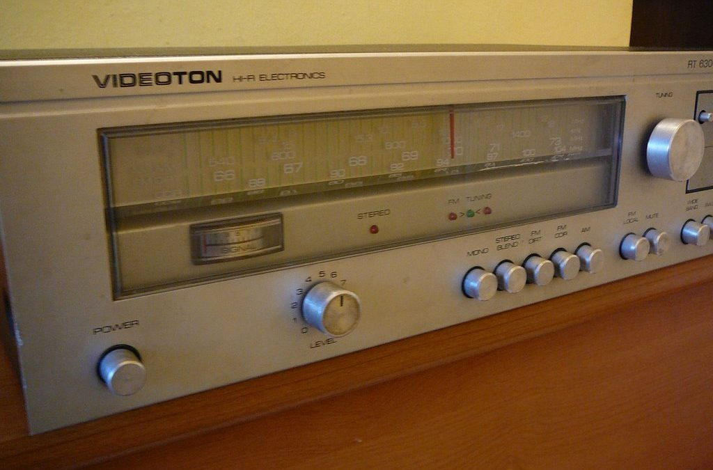 1981 Videoton HiFi Electronics AM FM Stereo Tuner RT 6300 S