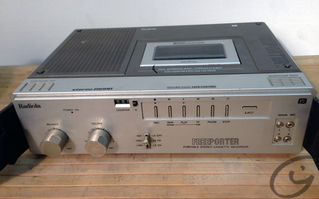 1982 Philips Freeporter Portable Stereo Cassette Recorder D 6910