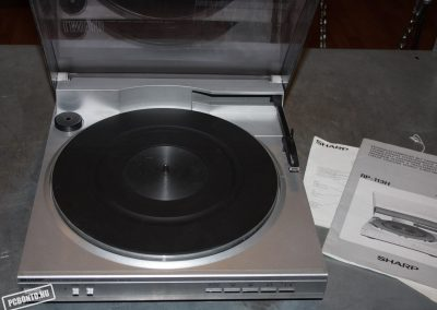 1984 SHARP Linear Tracking Stereo Turntable RP-113 - 501746_orig0.jpg