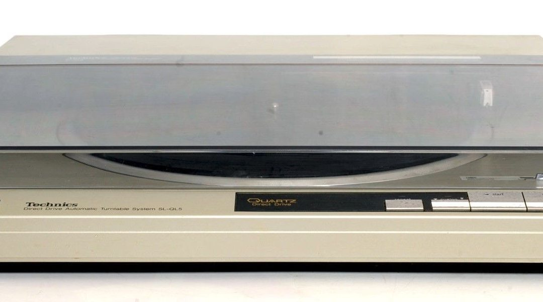 1984 Technics Direct Drive Automatic Turntable System SL-QL5