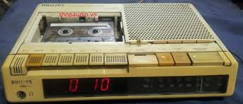 1986 Philips AM-FM Cassette Clock Radio D3700