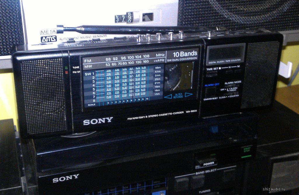 1987 Sony FM/MW/SW1-8 Stereo Cassette-Corder with Microphone WA-8800