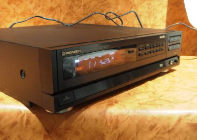 1988 Pioneer CD DVD LD Player CLD-1200 - pioneer_cld-1200_front1
