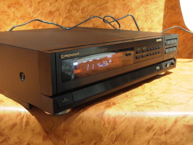 1988 Pioneer CD DVD LD Player CLD-1200