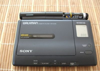 1991 Sony Walkman Stereo Cassette Player WM-EX90 - 655d07d5741081d6.jpg