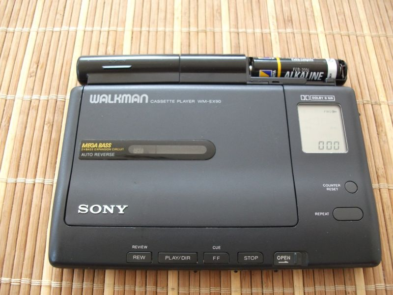 1991 Sony Walkman Stereo Cassette Player WM-EX90
