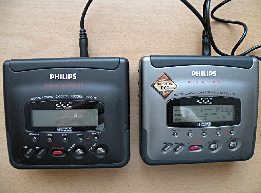 1992 Philips Portable Digital Compact Cassette Recorder DCC170