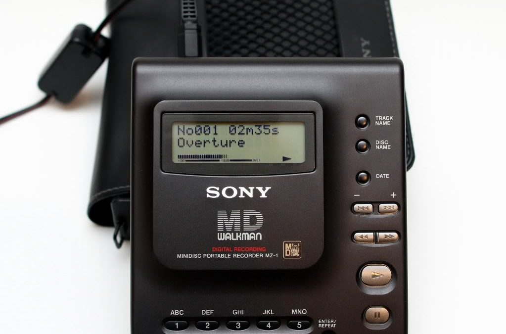 1992 Sony MD Walkman MiniDisc Portable Recorder MZ-1