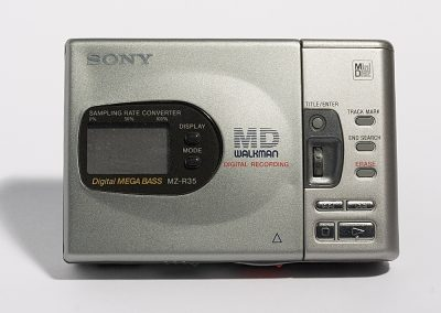 1998 Sony MD Walkman Digital Mega Bass MZ-R35 - Sony-MZ-R35.2.jpg