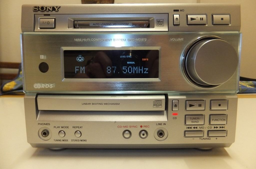 1999 Sony Mini Hi-Fi Component System DHC-MD373