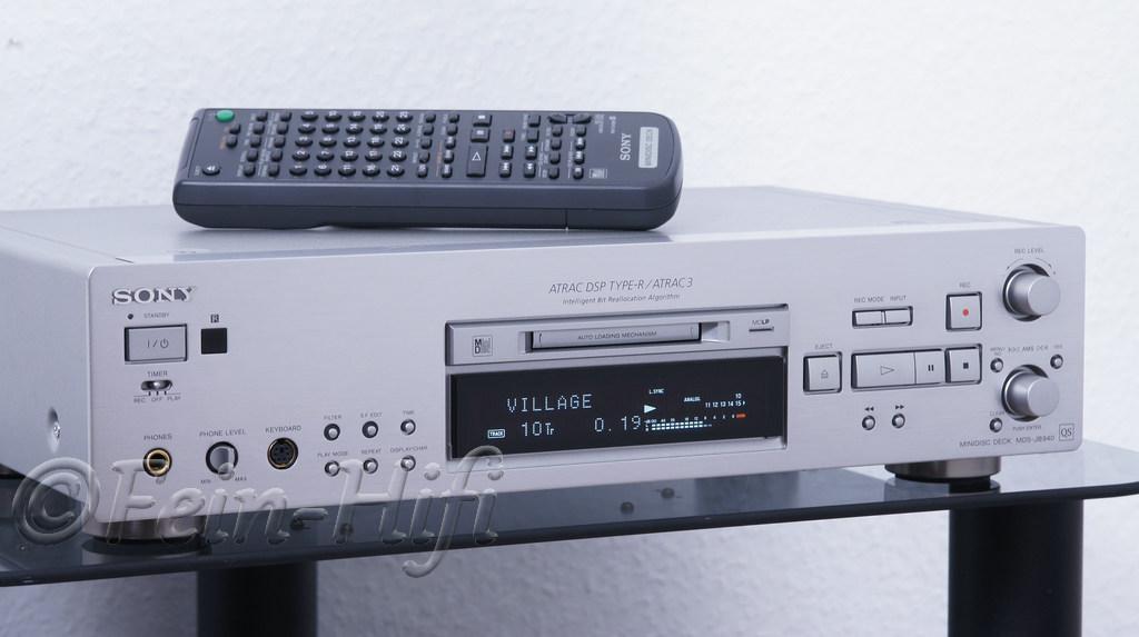 2000 Sony MiniDisc Deck MDS-JB940