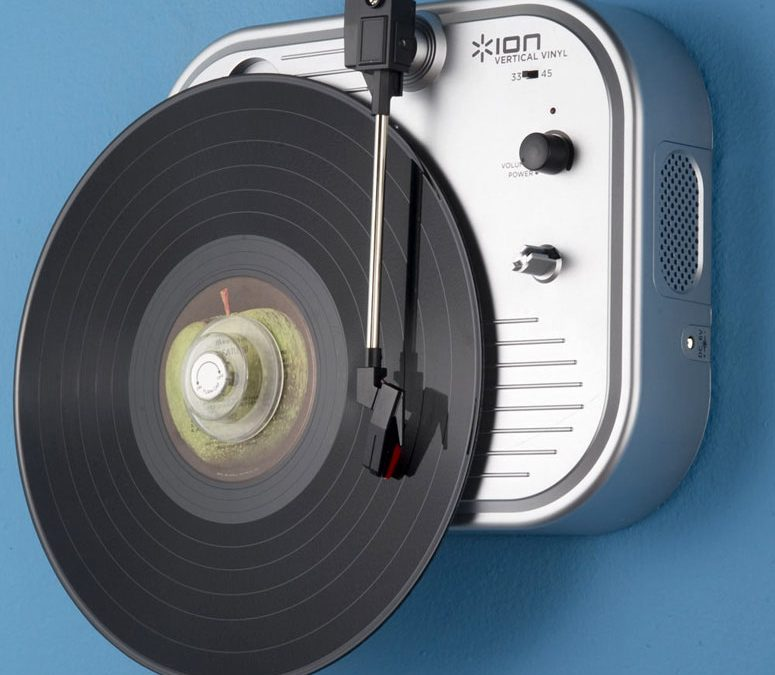 2011 Ion Vertical Vinyl Wall-Mounted Turntable IT27